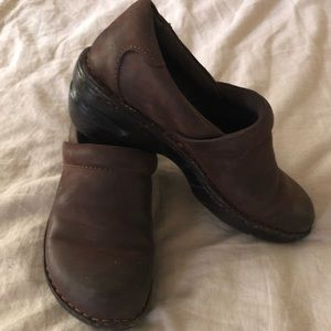 BOC Leather Nursing Clog